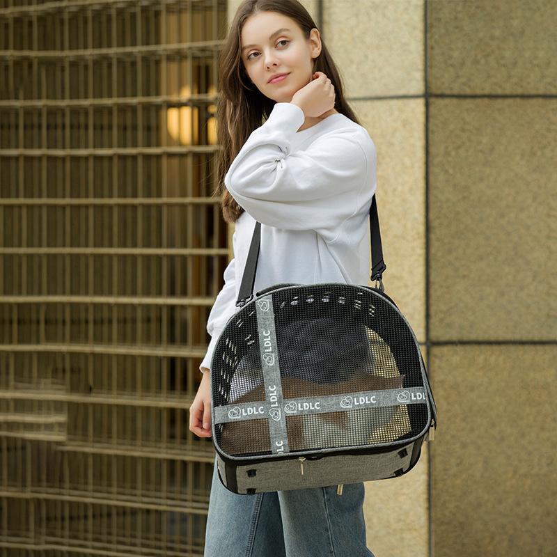 Large Side Window With Hole Pet Handbag MFB33_10
