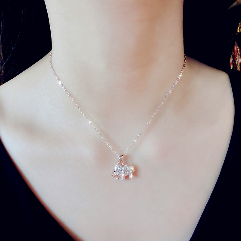 Fashion Elephant Horse Pearl Pattern Pendant Necklaces For Women NLC02_2