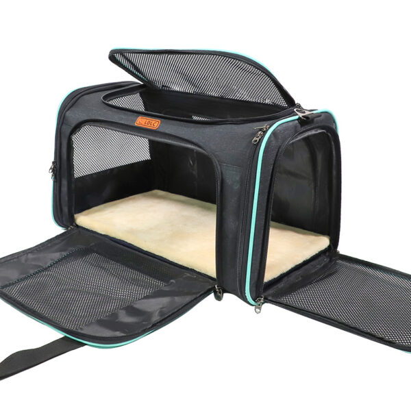Airline Approved Soft Sided Pet Carrier With Removable Pad MFB51_2
